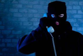 Детектив помог женщине избавиться от угроз